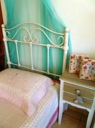 Μεταλλικό μονό κρεβάτι