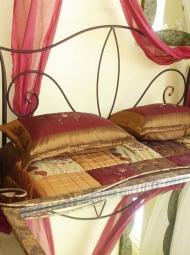 Μεταλλικό διπλό κρεβάτι