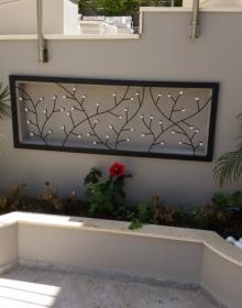 Μεταλλικό διακοσμητικό τοίχου με κρυσταλλάκια